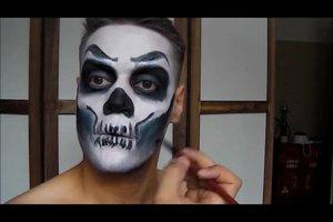 Halloween-Bemalung für das Gesicht - so wird's gruselig