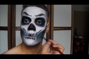 Video Halloween Bemalung Fur Das Gesicht So Wird S Gruselig