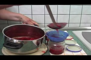 Erdbeer-Holunder-Marmelade - ein leckeres Rezept