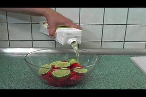 Erdbeerbowle alkoholfrei zubereiten - ein Rezept mit Limettensaft