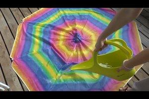 Sonnenschirm reinigen - so machen Sie es richtig