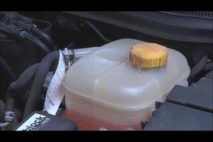 Auto - Kühlwasser mit Frostschutz mischen Sie so
