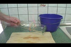 Flaschenboden abtrennen - so funktioniert's
