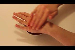 Handpflege selbstgemacht - schöne Hände mit einfachen Hausmitteln