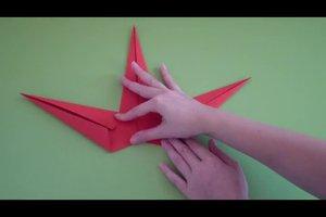 Papiersterne falten - so gelingt ein fünfeckiger Stern