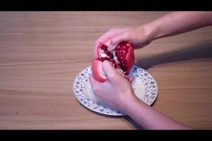 Granatapfel essen - so kommen Sie ohne Probleme an das leckere Fruchtfleisch