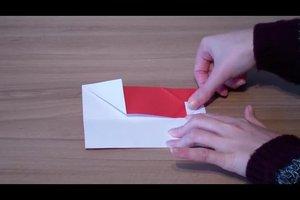 Einen Origami-Nikolaus falten - so geht's