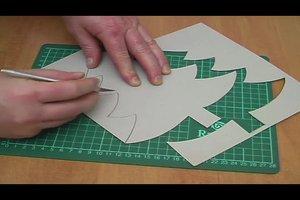 Tannenbaumschablone selber machen - so geht's ganz einfach