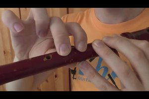Blockflöte: Griffe lernen - so spielen Sie das Instrument