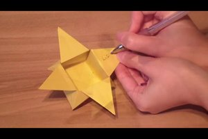 Sternschachtel falten - so gelingt die kreative Geschenkebox