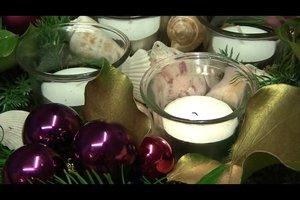 Weihnachtsgestecke selber machen - Ideen in violett