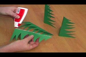 Tannenbäume aus Papier basteln - eine Anleitung
