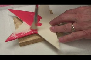 Weihnachtsstern aus Holz - so basteln Sie ihn aus Sperrholz