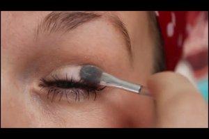 Make-up für Fotos - so schminken Sie sich für Aufnahmen