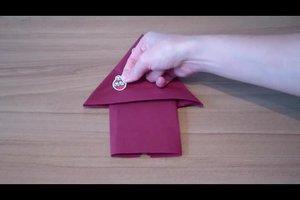 Papierservietten falten - so wird's weihnachtlich