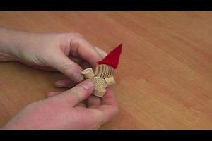 Weihnachtsmann aus Holz selber herstellen