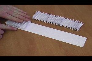 Stabile Papierbrücke basteln - Anleitung