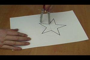 Spiegelachsen einzeichnen - so gelingt's bei einfachen geometrischen Figuren