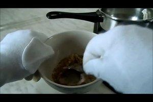 Gesichtsmasken zum Selbermachen - gegen Pickel