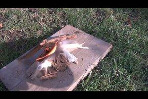 Mit der Lupe Feuer machen - so klappt´s ohne Streichholz