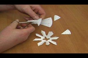 Basteln  im Winter - so gestalten Sie Eiskristalle aus Papier