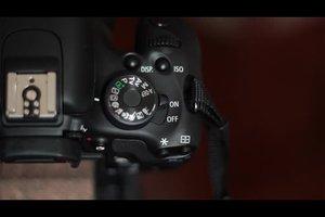 Canon EOS 1100D schwarz-weiß einstellen - so geht's