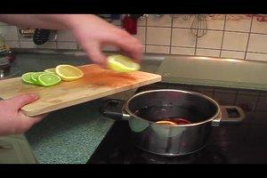 Glühwein mit Schuss - leckere Rezepte für zu Hause