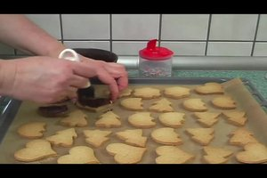 Omas Plätzchen - Rezept für Ausstechplätzchen