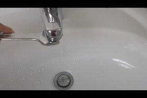 Leitungswasser schmeckt komisch - so ergründen Sie die Ursachen