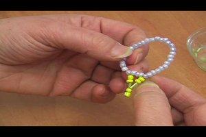 Perlenfiguren – Anleitung für weihnachtliche Sterne