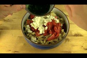 Einfacher Nudelsalat - Rezept zum Selbermachen