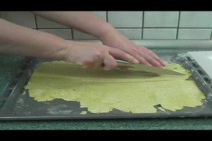 Lasagne - den Teig für die Nudelplatten selber machen
