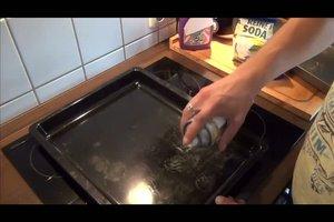 Backblech reinigen - so geht´s